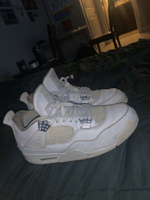 Photo Jordan 4s (Pure Money, Motorsport)