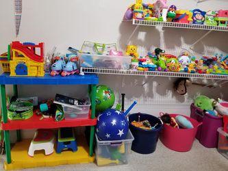 SOOOOO Many toys $5 and up each Thumbnail