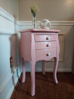Pink table Thumbnail