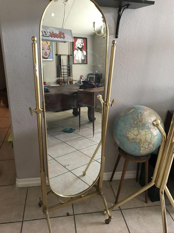 Vintage floor mirror (Furniture) in North Las Vegas, NV - OfferUp
