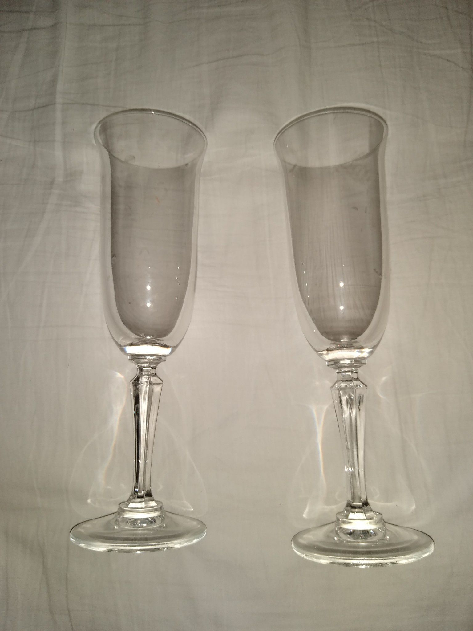 $10 Crystal Champagne Flutes (2)