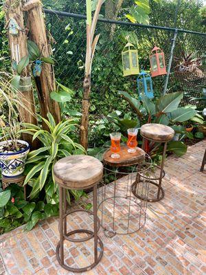 Photo Two bar stools set - juego de dos taburetes