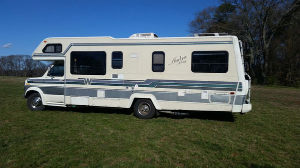 SERIOUS INQUIRIES ONLY!!! RV 1990 Minnie Winnie Winnebago motorhome 27ft  excellent condition for Sale in Charlotte, NC - OfferUp