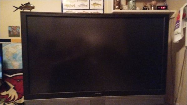 Mitsubishi Tv 61 inch DLP for Sale in Gilbert, AZ - OfferUp