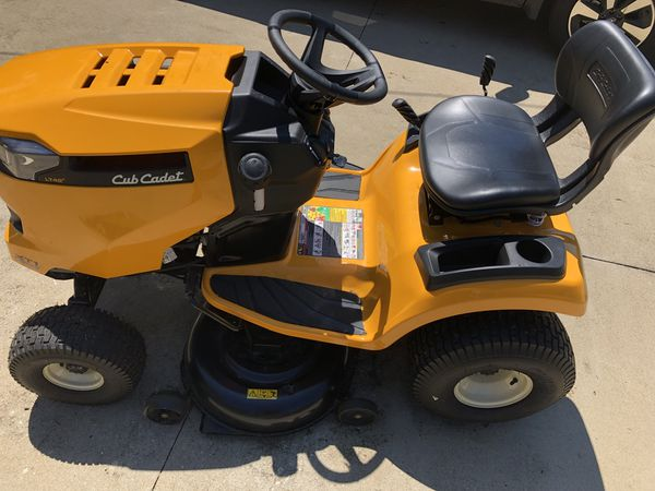 Cub Cadet XT1 Enduro Series LT 42 in  18 HP Riding Lawn Tractor for Sale in  Taylors, SC - OfferUp