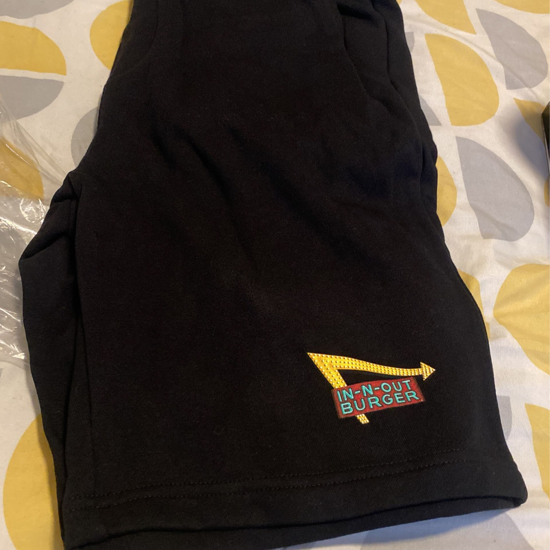 IN-N- Out Shorts  Size XL