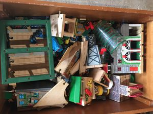 Photo Huge Lot of Thomas the Tank Engine original Wood with Table