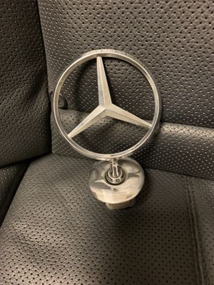 Chrome hood ornament for Mercedes Benz s550 07-13 for Sale in Jonesboro, GA
