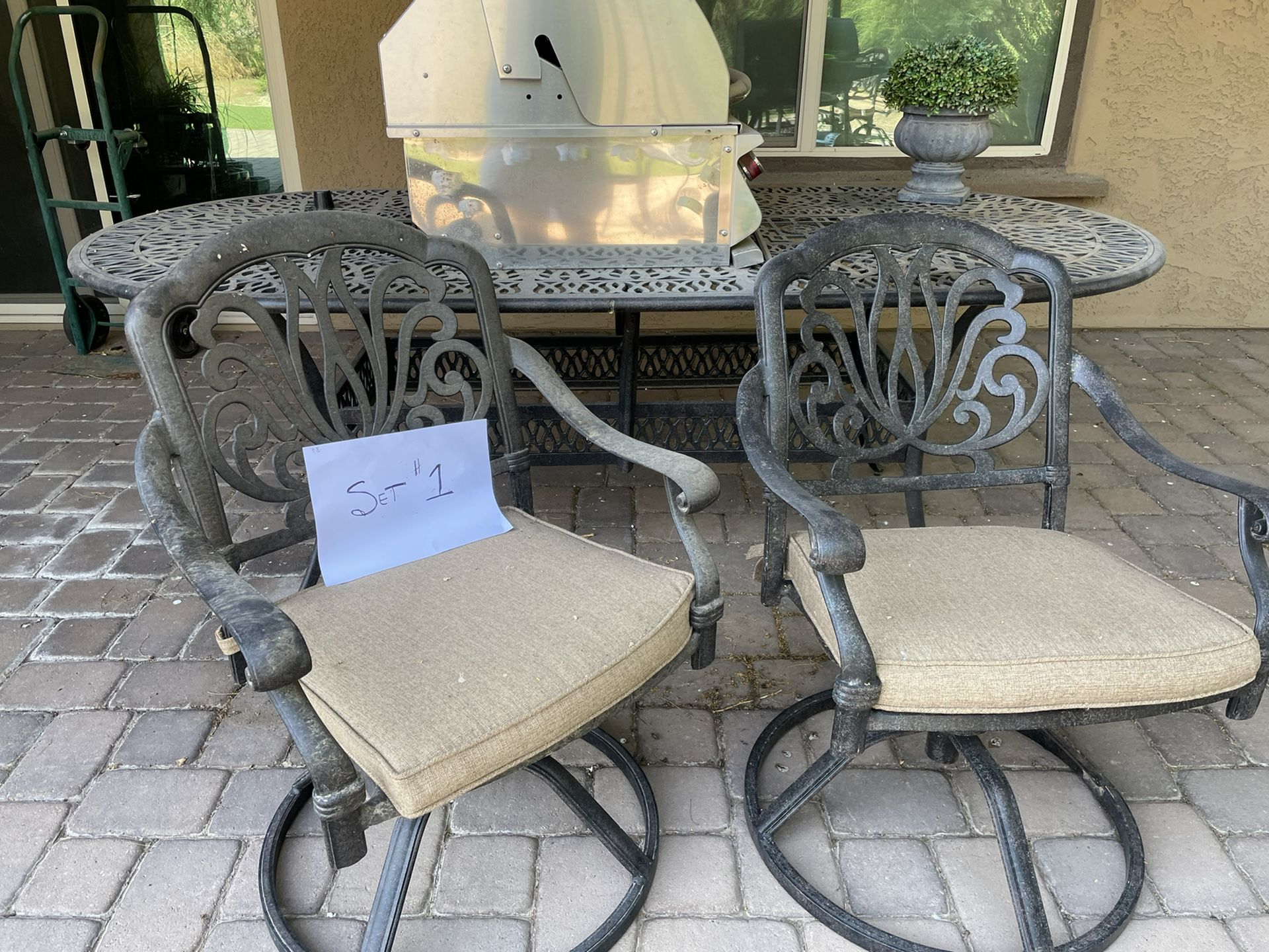 Patio furniture Metal with cushions