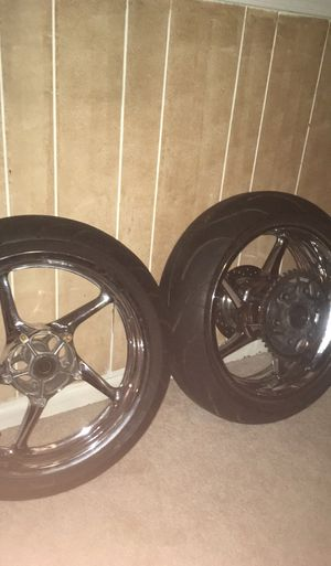Chrome R1 wheels with Michelin 2ct for Sale in Manassas, VA