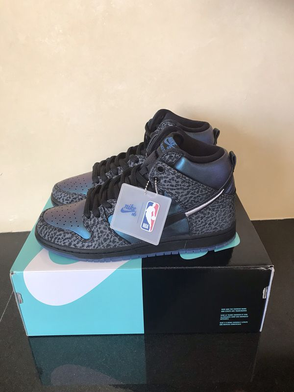 outlet store 0514a 63c00 Nike SB Dunk High Black Hornet Shoes