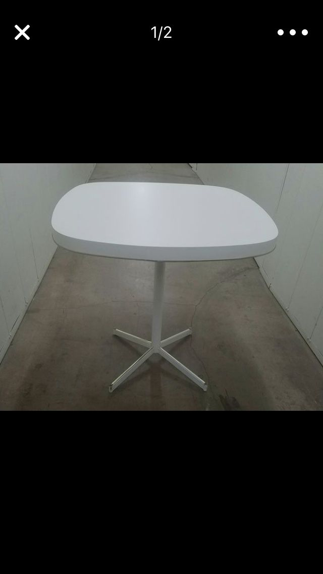 MCM SMALL KITCHEN TABLE $60