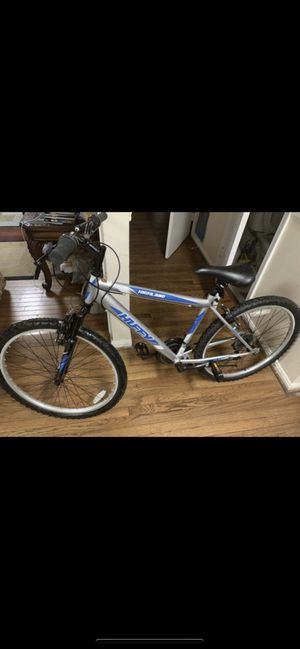 Huffy bike ,21 speed ,bike like look new nothing wrong with bike in good condition for sale . for Sale in Fairfax, VA