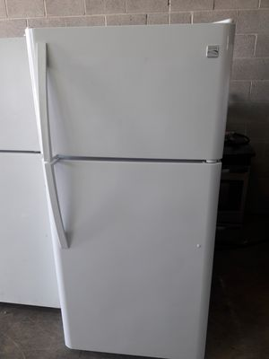 Kenmore refrigerator exellent condition working perfectly clean and neat warranty and deliver for Sale in Baltimore, MD