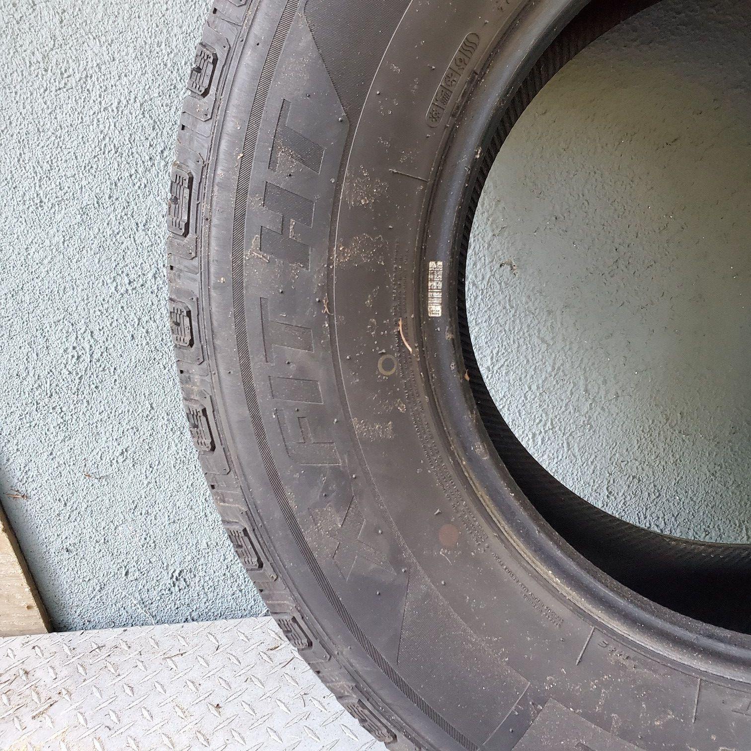 265 70 R17 tires 2 each