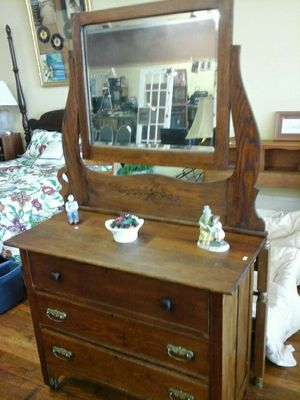 Antique Dresser With Mirror Wooden Wheels Beautiful Finish For In Gastonia Nc