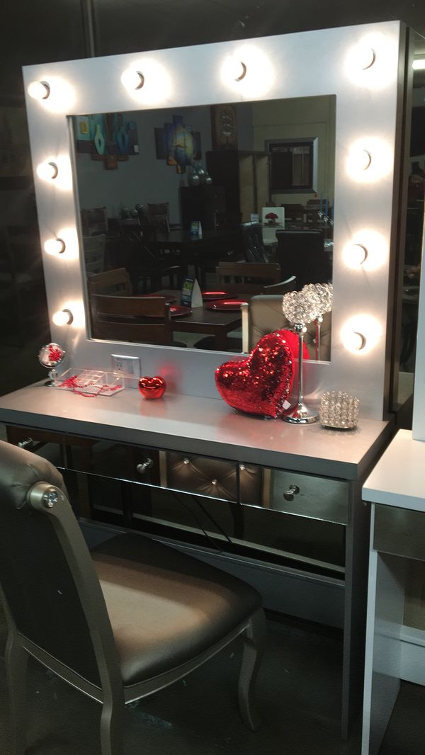 Fantastic Hollywood Vanity W Mirror Lights And Stool From 299 Alphanode Cool Chair Designs And Ideas Alphanodeonline