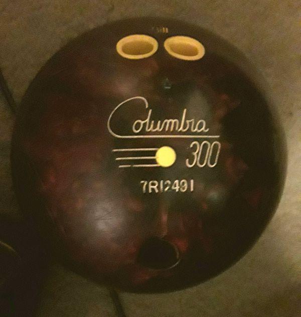 Columbia 300 Bleeder Bowling Ball