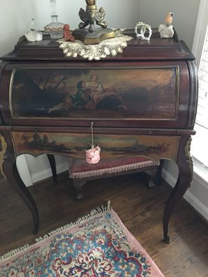 Antique desk for Sale in Rockville, MD