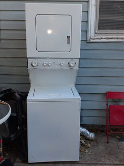 GE washer dryer combo..stacked Thumbnail