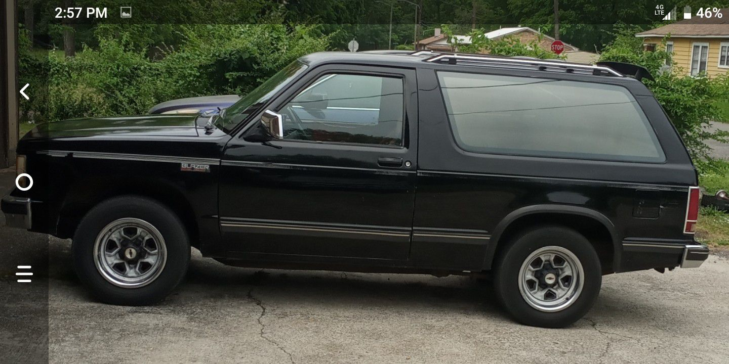 Photo 89 Chevy S10 Blazer Runs And Drive But Smokes Need Motor 500 Firm