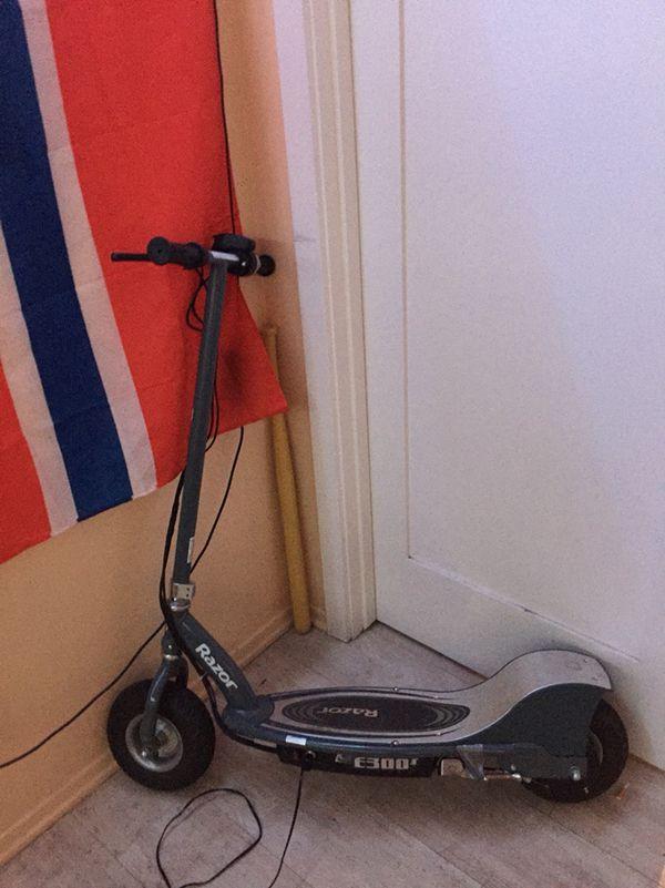 Razor E300 Electric scooter for Sale in Santa Barbara, CA - OfferUp