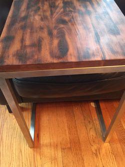 Square wooden table Thumbnail