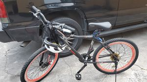 Photo Mens 21 speed like new bike with accessories