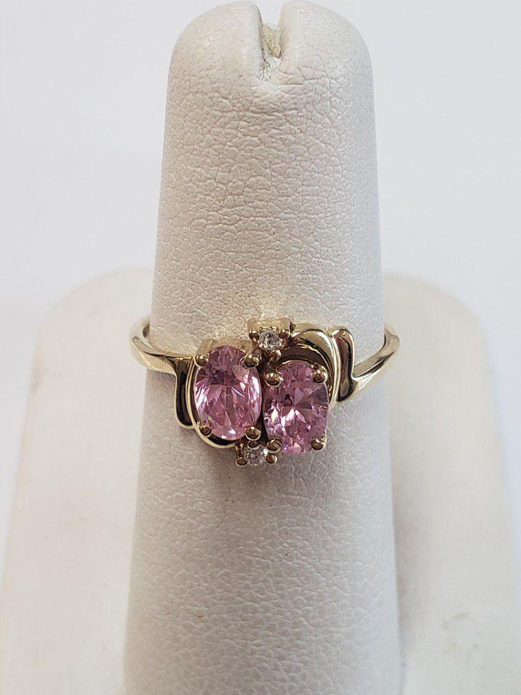10k Yellow Gokd Pink Cz Ring 2 Grams Size 5.5