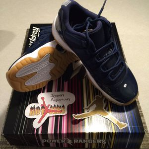 74607344cf5501 DS Brand New Air Jordan 11 Retro Low Navy Gum size 4 for Sale in Colma