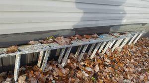 Warner 20 foot ladder OSHA approved 250lbs for Sale in Glen Burnie, MD