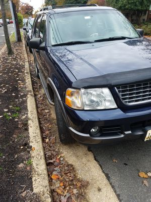 Ford Explorer 2003 title Salvage 173 miles in good condition 2300 I bring it running is not 4 times 4 is simple v 6 for Sale in Fort Washington, MD