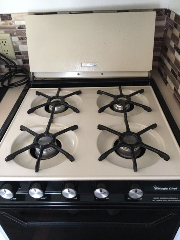 RV size Magic chef gas stove and oven, approx 21 X 21 and 18 inches high  for Sale in Lake Mary, FL - OfferUp