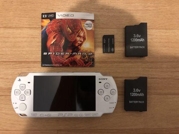 White PSP Modded 2 Batteries 2gb Memory 1 Umd Movie