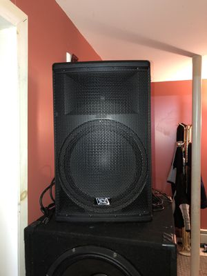 """TOP TECH AUDIO """"15 BLUETOOTH PA POWERED for Sale in Queens, NY"""