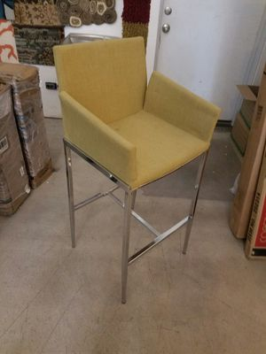 Bar heith chair. Going for 25 for Sale in Chicago, IL