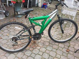 "Bicicleta de 24"" pulgadas casi nueva for Sale in Rockville, MD"