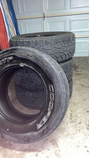 Photo Cooper discoverer tires