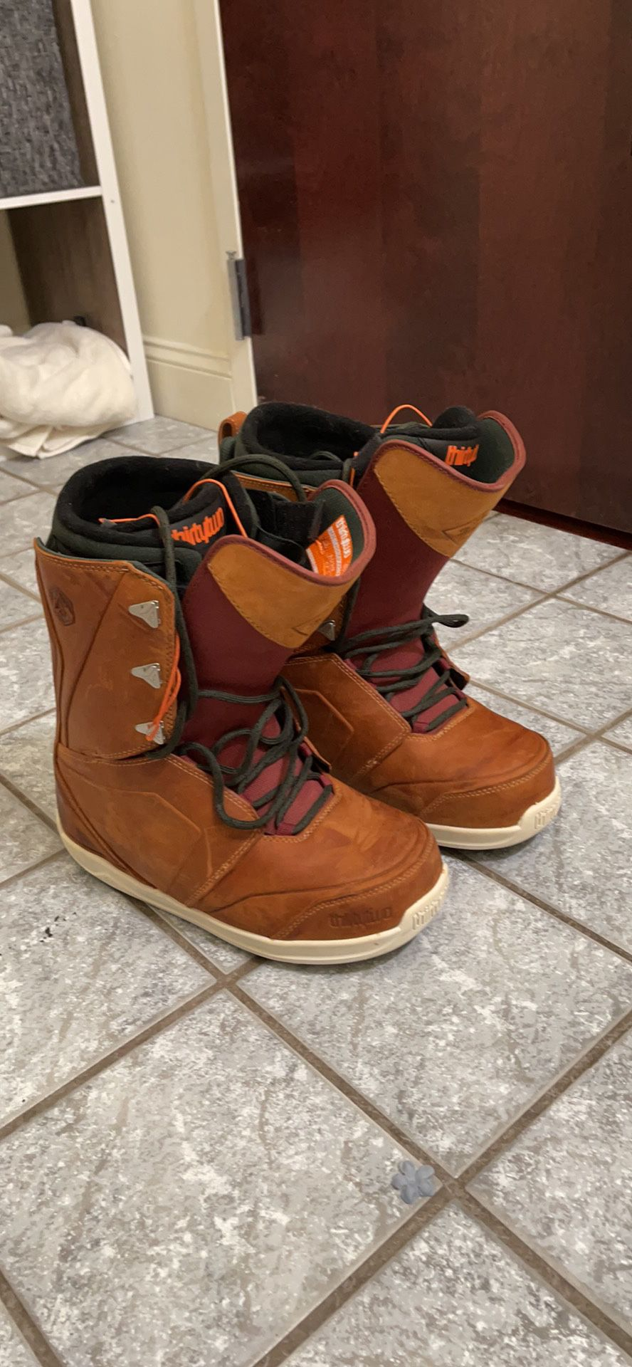 ThirtyTwo Snowboard Boots (size 11 Men's)