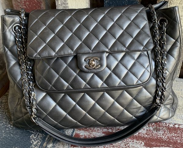f2be5eddc4f4 Authentic Chanel Large Flap Shopping Tote for Sale in Plano