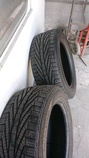 2 used tires 255 55 18 for Sale in Chillum, MD