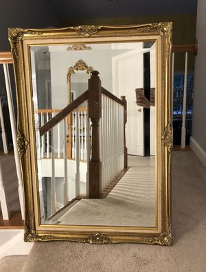 """Antique French gold wood mirror """"41""""X30"""" (SERIOUS INQUIRIES PLEASE """" for Sale in Gainesville, VA"""
