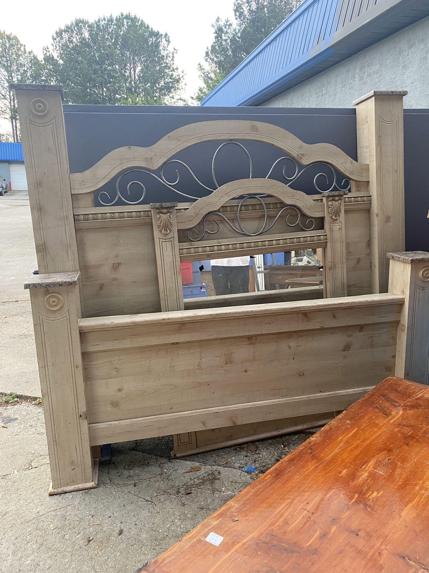 Full Size Bed (Fayettville Ga)