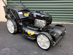 Photo LIKE NEW Craftsman Self Propelled Lawn Mower Briggs OHV BIG WHEELS PRICE IS FIRM