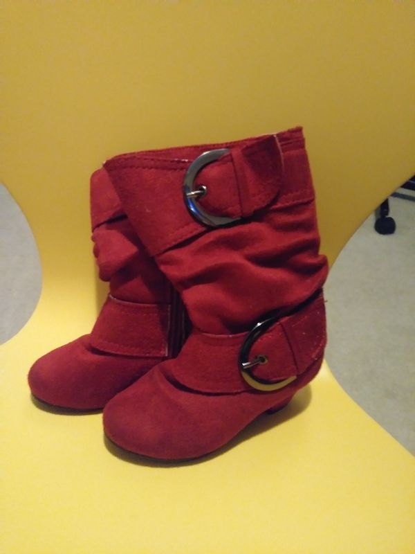 dac8dabaf23a Toddler Size 5 Wedge Heel Boots for Sale in Marietta