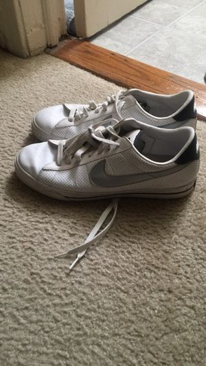 Size 11 nike shoes for Sale in Mount Rainier, MD