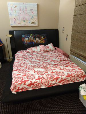 Queen size bed with memory foam mattress for Sale in North Bethesda, MD