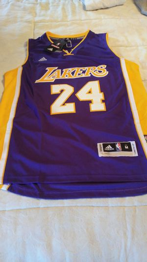 2b5ced095 Lakers kobe MEDIUM Sewn Basketball Jersey for Sale in Bensalem