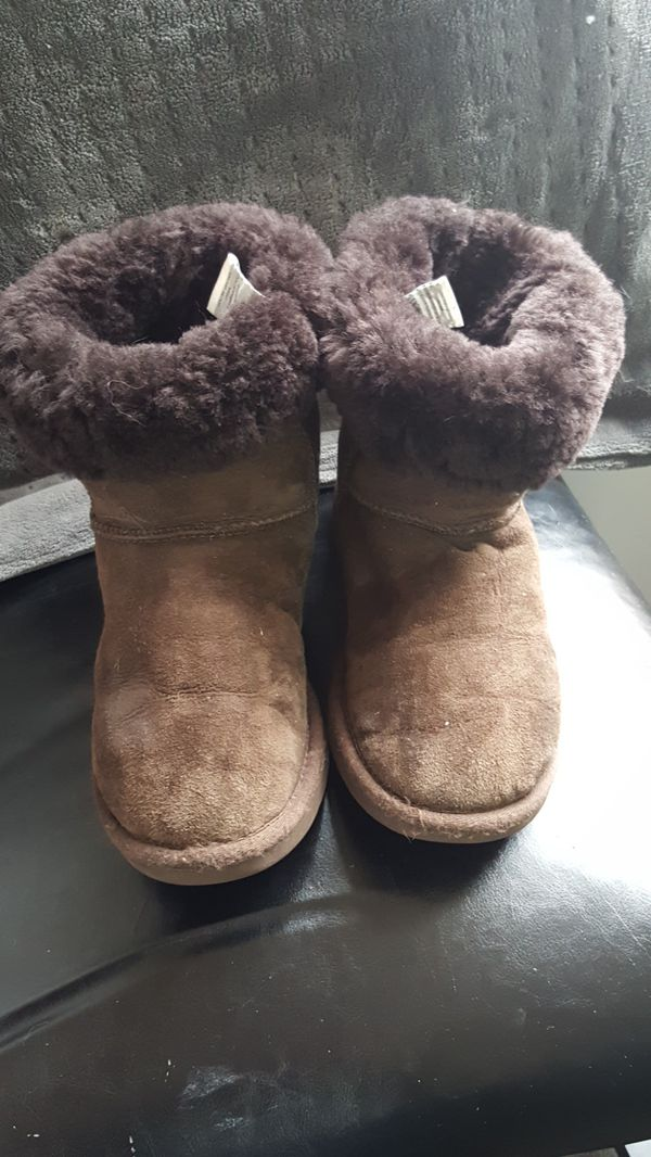 d50f572455e Uggs size 7 for Sale in Portland, OR - OfferUp