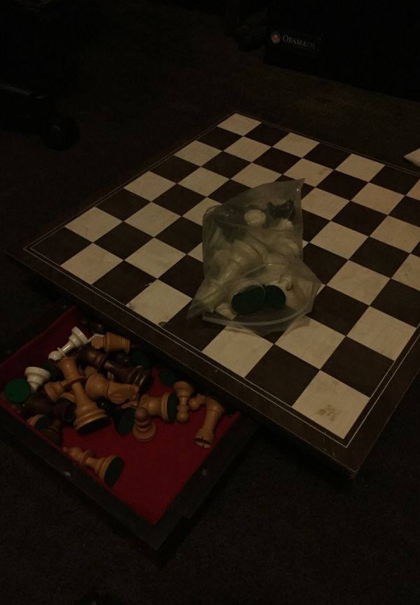 Chess board with pieces (real wood) for Sale in Los Angeles, CA - OfferUp